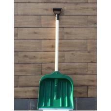Лопата для прибирання снігу з дерев'яним держаком