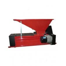Электродробилка с гребнеотделителем ENO3 M, емкостью 45 кг, вал 96 мм, Италия
