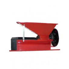 Ручная дробилка с гребнеотделителем ENO3, емкостью 25 кг, бункер 900*500 мм, вал 96 мм, Италия